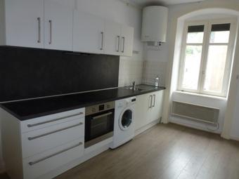 Location Appartement 2 pièces 54m² Saint-Bonnet-le-Château (42380) - photo