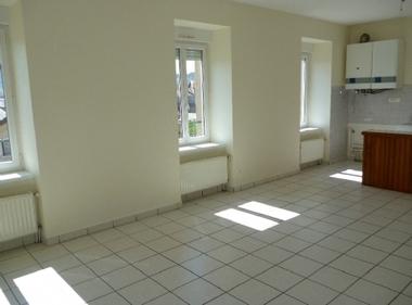 Location Appartement 3 pièces 52m² Saint-Jeures (43200) - photo