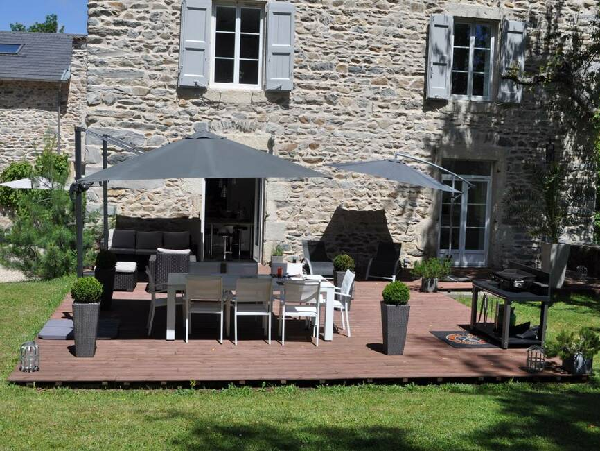 Vente maison 15 pi ces yssingeaux 43200 18755 for Piscine yssingeaux