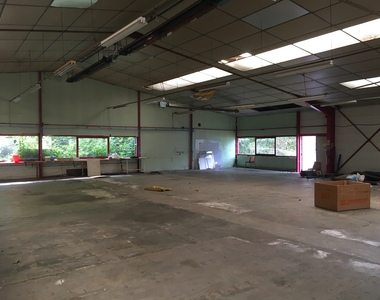 Vente Local industriel 5 pièces 425m² Riom (63200) - photo