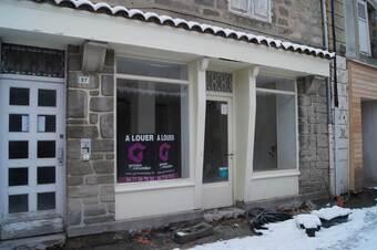 Location Local commercial 2 pièces 50m² Saint-Bonnet-le-Château (42380) - photo