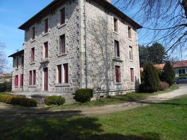Vente Maison 8 pièces 375m² Montfaucon-en-Velay (43290) - photo