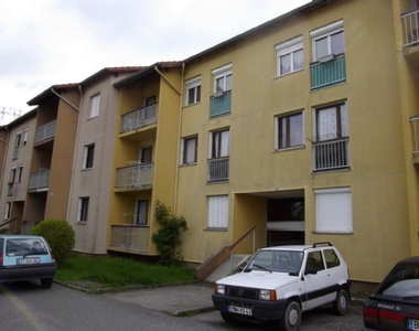 Location Appartement 2 pièces 46m² Saint-Didier-en-Velay (43140) - photo