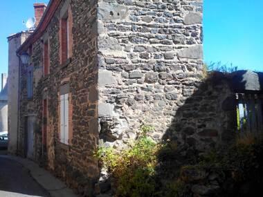 Vente Maison 10 pièces 152m² Saint-Germain-Lembron (63340) - photo