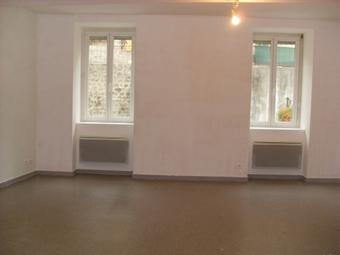 Location Appartement 3 pièces 58m² Saint-Sauveur-en-Rue (42220) - photo
