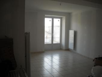 Location Appartement 1 pièce 28m² Le Chambon-sur-Lignon (43400) - photo