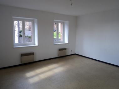 Location Appartement 5 pièces 85m² Saint-Bonnet-le-Château (42380) - photo