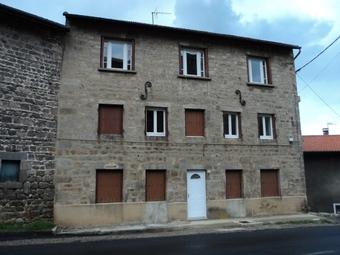 Location Appartement 4 pièces 65m² Saint-Bonnet-le-Château (42380) - photo