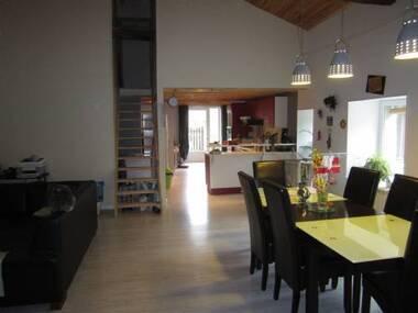 Location Maison 5 pièces 114m² Vorey (43800) - photo