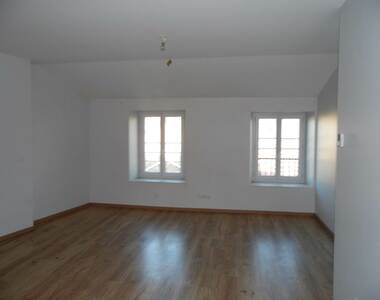 Location Appartement 4 pièces 52m² Tence (43190) - photo