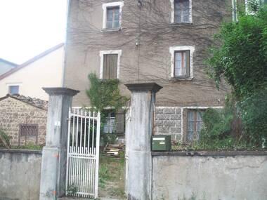 Vente Maison 6 pièces 140m² Cunlhat (63590) - photo