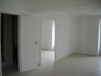 Location Appartement 1 pièce 44m² Le Chambon-sur-Lignon (43400) - photo