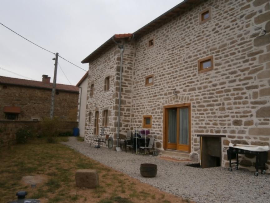 Vente maison 4 pi ces saint dier d 39 auvergne 63520 17625 for Garage 4x4 saint sauves d auvergne