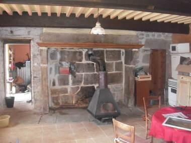 Vente Maison 7 pièces 200m² Saint-Pierre-la-Bourlhonne (63480) - photo