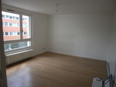 Location Appartement 1 pièce 30m² Saint-Étienne (42100) - photo