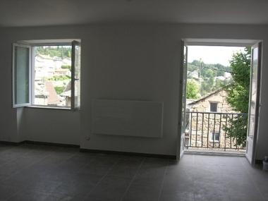 Location Appartement 2 pièces 55m² Le Chambon-sur-Lignon (43400) - photo