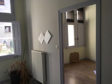 Location Appartement 4 pièces 95m² Saint-Bonnet-le-Château (42380) - photo