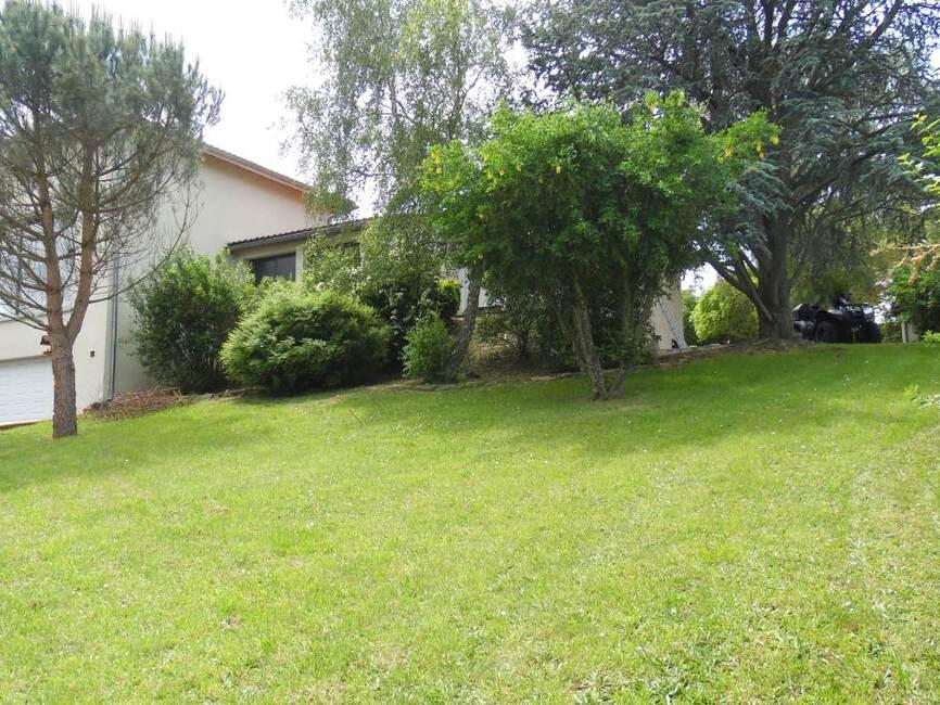 Vente maison 8 pi ces langeac entre le puy en velay et for Camping le puy en velay avec piscine