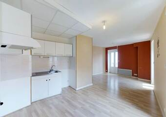 Location Appartement 3 pièces 67m² Brives-Charensac (43700) - photo