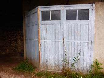Location Garage 12m² Montfaucon-en-Velay (43290) - photo