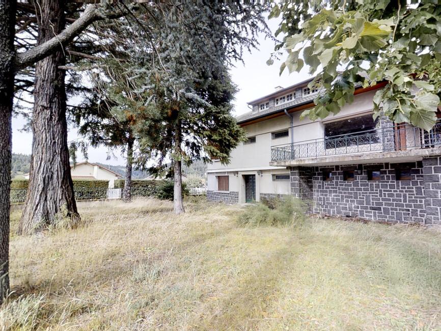 Vente Maison 11 pièces 230m² Dunières (43220) - photo