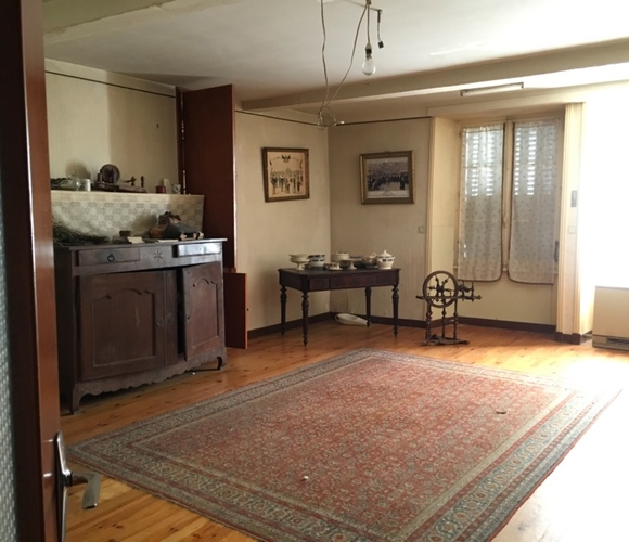 Vente Maison 8 pièces 140m² Proche tout commerce - photo