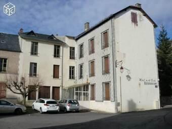 Vente Maison 20 pièces 600m² Chambon-sur-Lac (63790) - photo