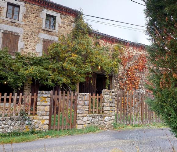 Vente Maison 6 pièces 280m² Condat-lès-Montboissier (63490) - photo