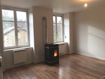 Location Appartement 3 pièces 74m² Dunières (43220) - photo