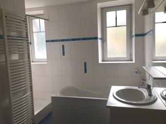 Location Appartement 5 pièces 82m² Dunières (43220) - photo