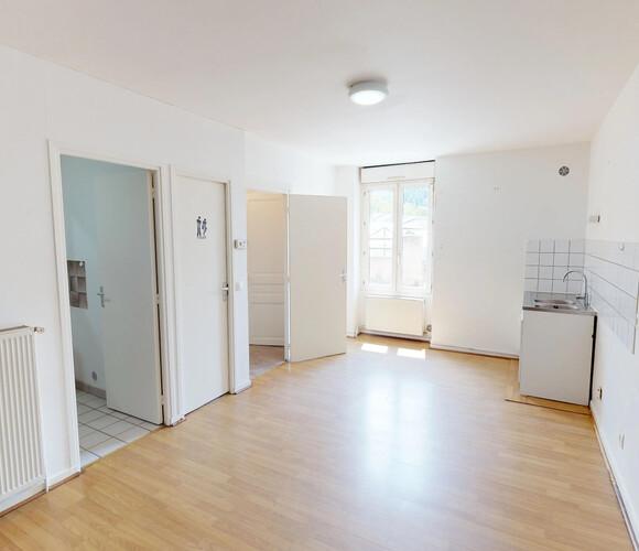 Vente Appartement 2 pièces 43m² Chambon Feugerolles - photo