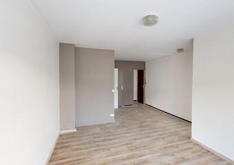 Location Appartement 1 pièce 36m² Le Chambon-Feugerolles (42500) - photo