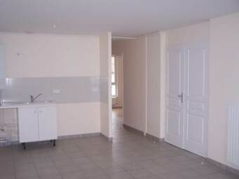 Location Appartement 3 pièces 57m² Dunières (43220) - photo