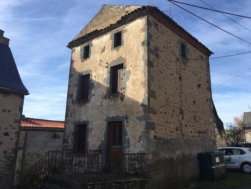 Vente Maison 6 pièces 75m² Saint-Nectaire (63710) - photo