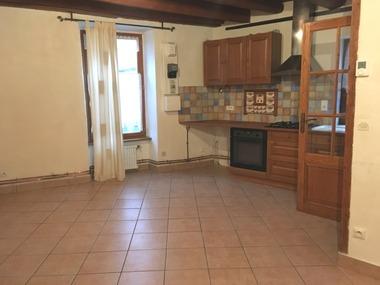 Location Maison 3 pièces 58m² Saint-Germain-Lembron (63340) - photo