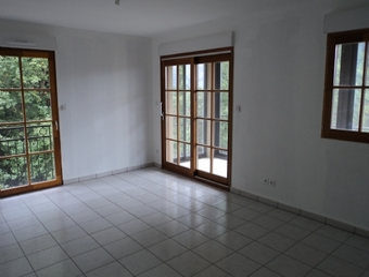 Vente Appartement 2 pièces 52m² ST BONNET LE CHATEAU A 30 MINUTES DE ST ETIENNE - photo