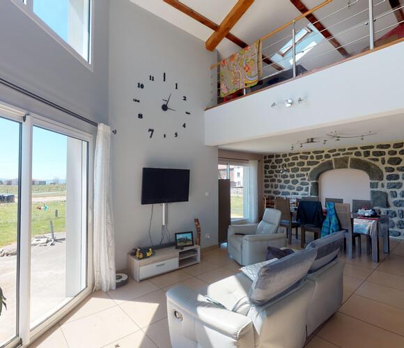 Vente Maison 5 pièces 170m² Saint-Jean-Lachalm (43510) - photo