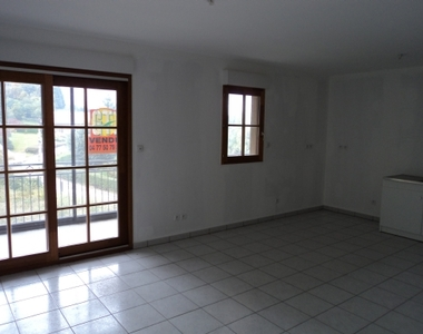 Vente Appartement 2 pièces 52m² ST BONNET LE CHaTeau - photo