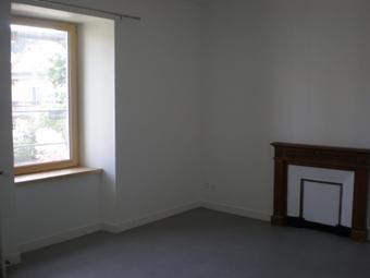 Location Appartement 4 pièces 78m² Tence (43190) - photo