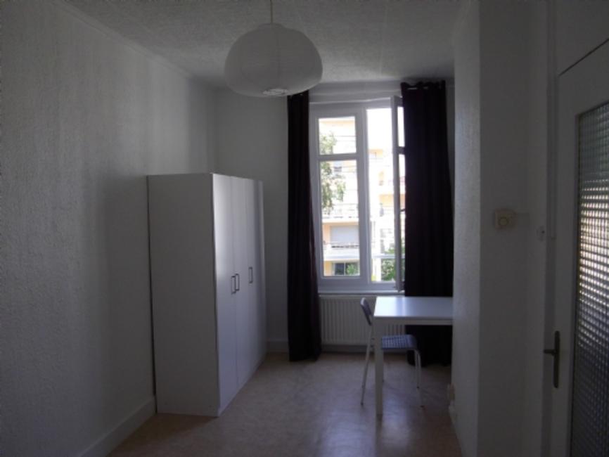 Location appartement 3 pi ces saint tienne 42000 33225 for Location appartement atypique saint etienne