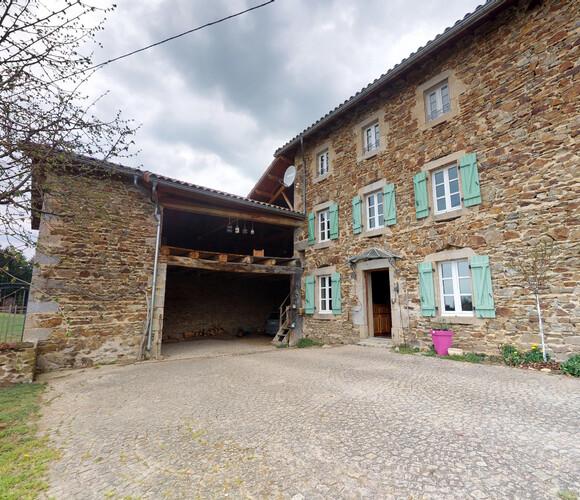 Vente Maison 6 pièces 210m² Saint-Bonnet-le-Chastel (63630) - photo