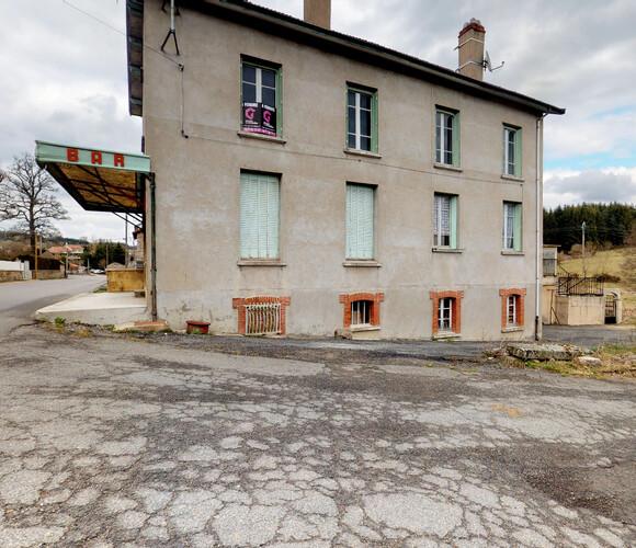 Vente Maison 10 pièces 240m² Estivareilles (42380) - photo