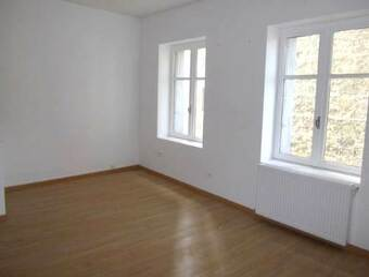 Location Appartement 4 pièces 80m² Saint-Just-Malmont (43240) - photo
