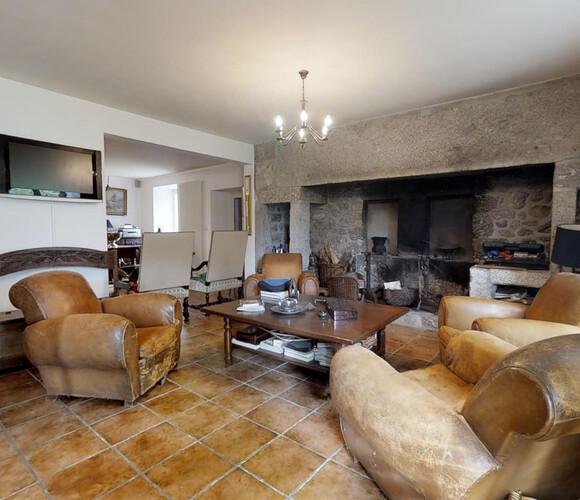 Vente Maison 8 pièces 370m² Saugues (43170) - photo