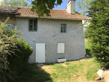 Vente Maison 3 pièces 57m² Entre Yssingeaux et Beaux. - photo