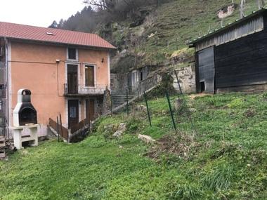 Vente Maison 7 pièces 300m² Olliergues (63880) - photo