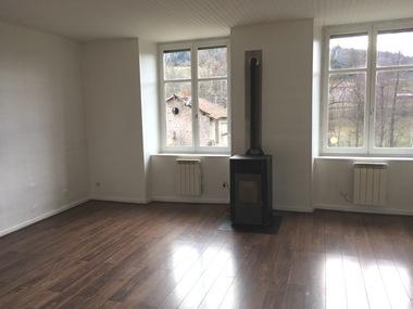 Location Appartement 5 pièces 76m² Dunières (43220) - photo