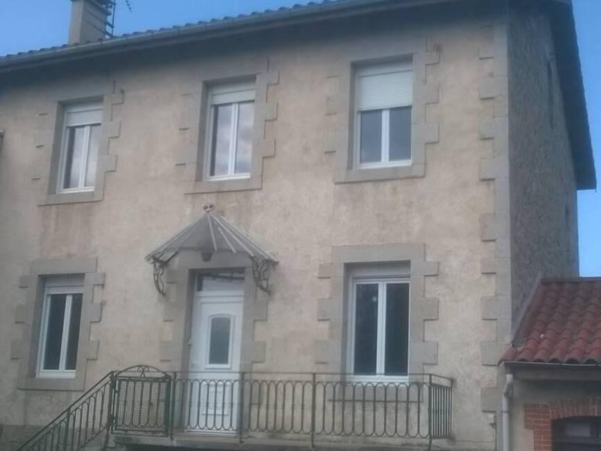 Vente maison 7 pi ces grazac 43200 83991 for Fenetre yssingeaux