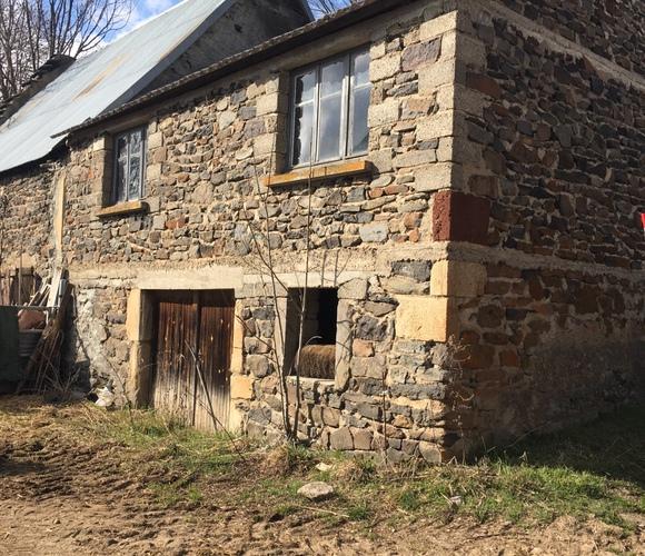 Vente Maison 75m² Roche-Charles-la-Mayrand (63420) - photo