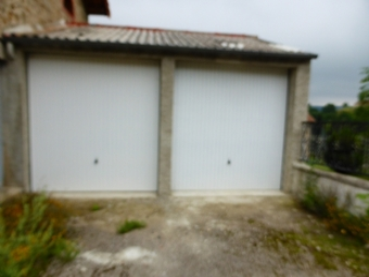 Location Garage 15m² Montfaucon-en-Velay (43290) - photo